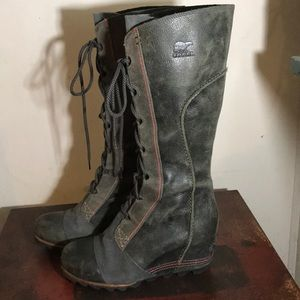Sorel boots size 9 like new!